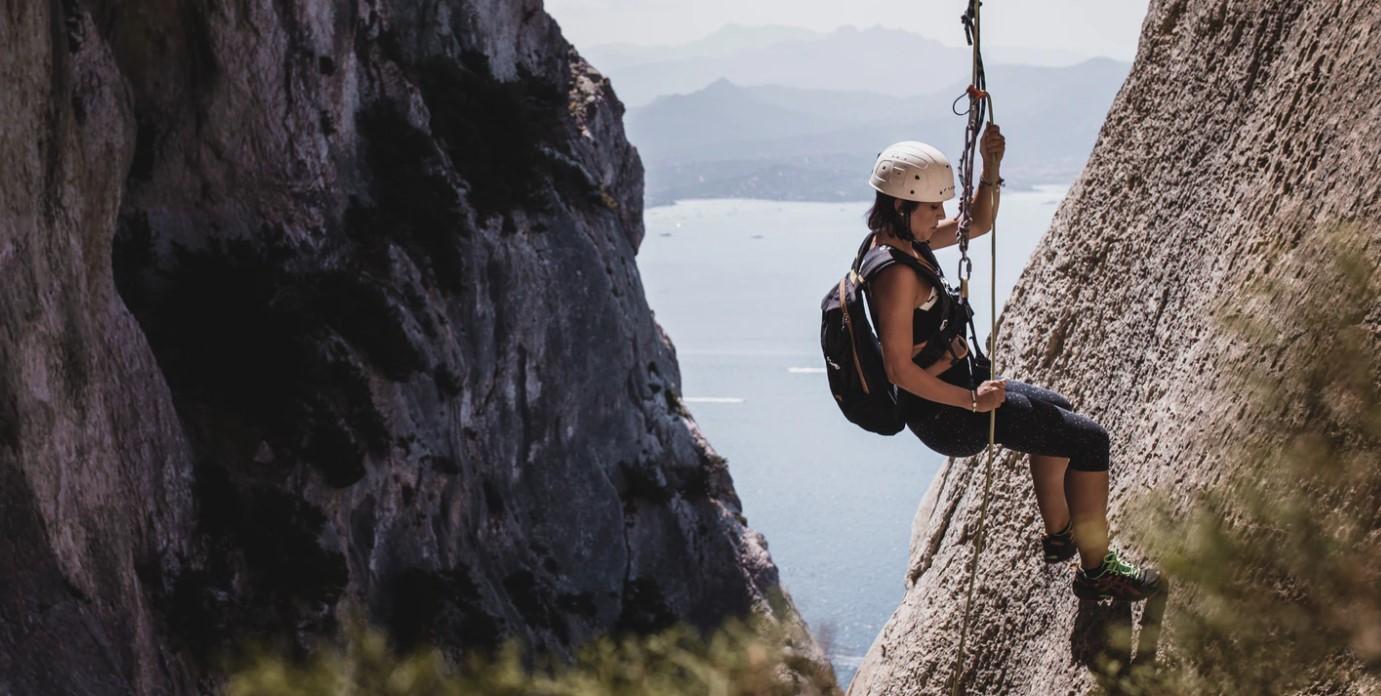Jak chronią szelki bezpieczeństwa w pracach wysokościowych?